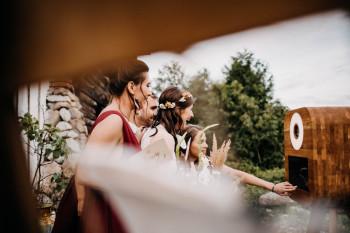 Jesteśmy Drewno Budka - niebanalna fotobudka z ekipą rustic i boho:), Fotobudka, videobudka na wesele Rydzyna