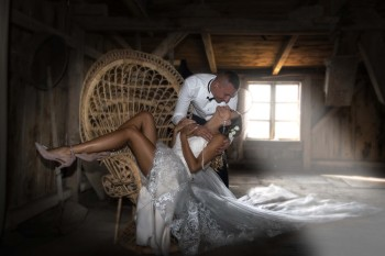 Fotograf Kierebiński.Tytuł  Fotografa Roku ślub-plener, Fotograf ślubny, fotografia ślubna Radomsko
