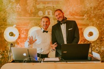 Kompleksowa oprawa muzyczna Twojego Wesela - Kreatywny Wodzirej, DJ na wesele Sulmierzyce