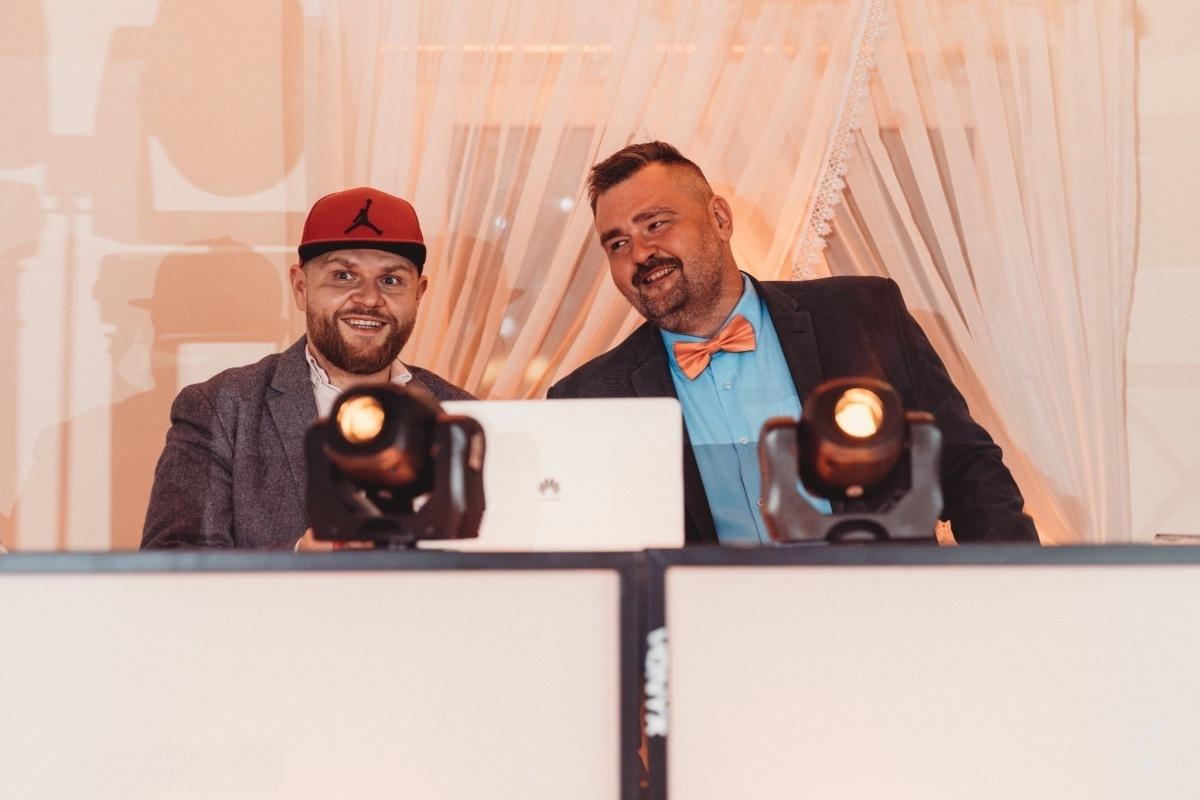 Piwowarski//Sasowski - DJ-e z VOX FM! Zrobimy Ci Wesele Marzeń!, Warszawa - zdjęcie 1