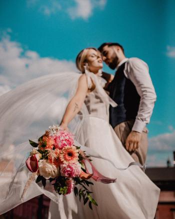 Wyjątkowe dekoracje ślubów kościelnych, w plenerze i sal weselnych