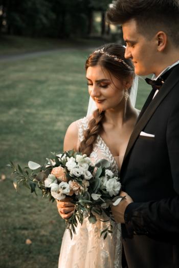 slubnekadrowanie - profesjonalna fotografia ślubna