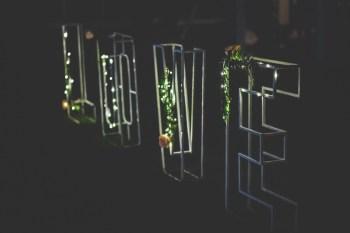 Kuźnia wesel - fotościanka, balony LED, dekoracja sali, napis LOVE, Dekoracje ślubne Lipno