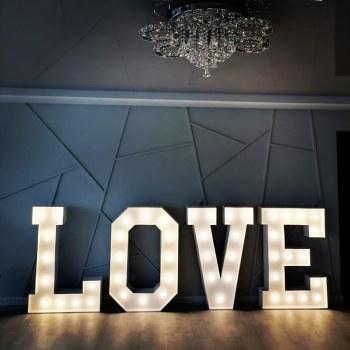 Sercowe love - Napis Love i Miłość/Ścianki Weselne/Podświetlane Cyfry