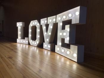 Kolorowy napis LOVE (zmiana kolorów na pilota), Napis Love Kołaczyce