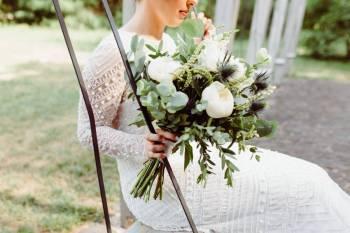Novaflora - Pracownia florystyczna, Kwiaciarnia, bukiety ślubne Pilawa