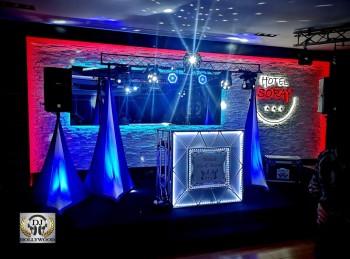 DJ HOLLYWOOD / Wodzirej / Ciężki Dym / Dekoracja ścian światłem Led, DJ na wesele Brzesko