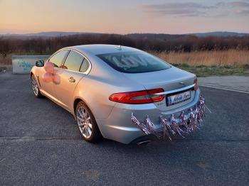 Ekskluzywnym jaguarem XF do ślubu / Indus Silver /, Samochód, auto do ślubu, limuzyna Alwernia