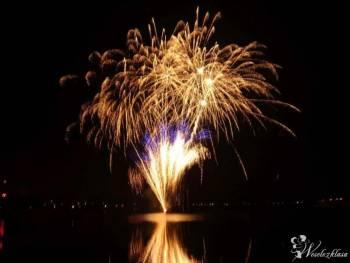 Profesjonalne fajerwerki na weselu! Pokazy fajerwerków, pirotechniczne, Pokaz sztucznych ogni Orzysz