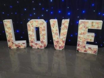 Kwiatowy Napis Love - 200zł!, Napis Love Parczew