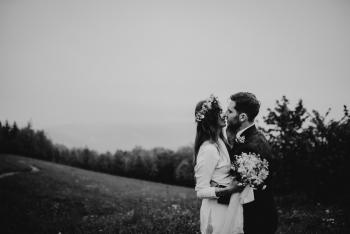 Naturalny reportaż ślubny | piękny plener ślubny