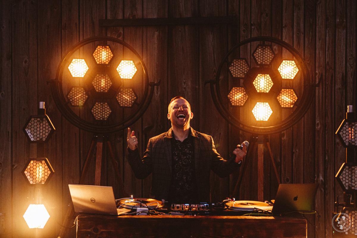 DJ/Konferansjer Lukas - wesela nowoczesne, glamour, rustykalne, boho, Łódź - zdjęcie 1