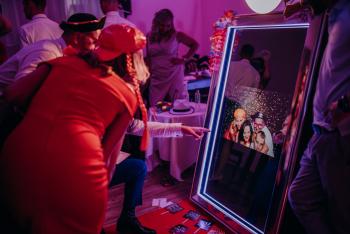 PartyCoaster- Fotolustro- Ciężki dym- napisy świetlne- dekoracja sali, Fotobudka, videobudka na wesele Nakło nad Notecią