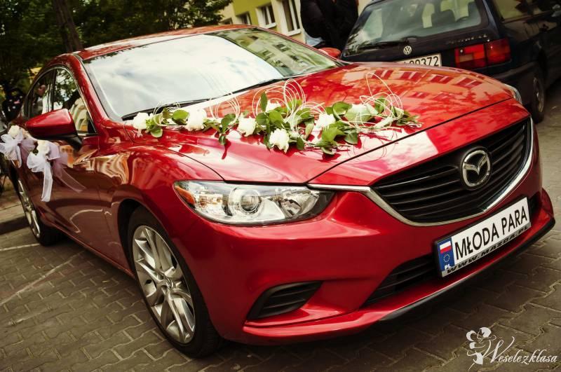 Sportowa czerwona Mazda6 do ślubu, Poznań - zdjęcie 1