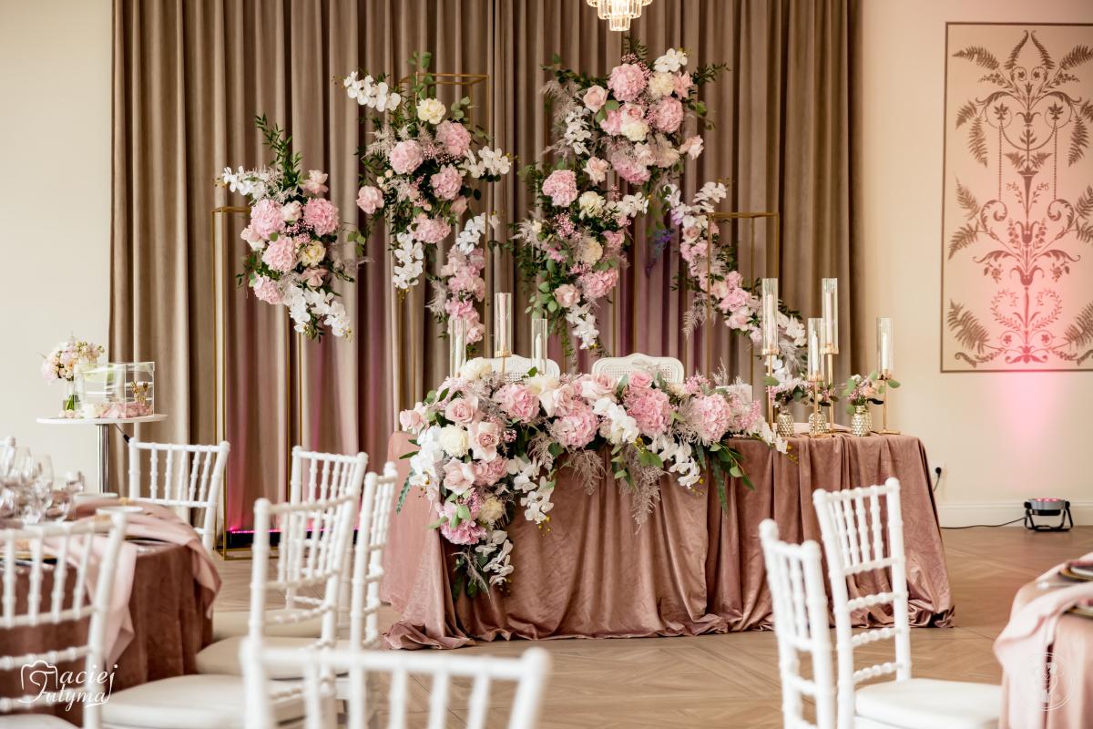 Twins Flowers - wyjątkowe dekoracje sal weselnych i kościołów