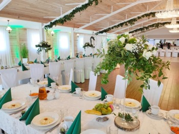 Piękna, drewniana sala tuż na jeziorem na wyjątkowe uroczystości, Sale weselne Pniewy