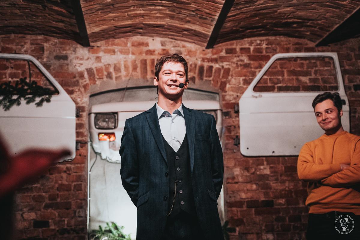Jakub Łagowski - Iluzjonista i Mentalista | Zaskakujący pokaz weselny!, Poznań - zdjęcie 1