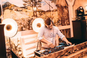 Konrad Laskowski - Dj/wodzirej, DJ na wesele Radomsko