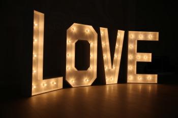 Duży napis LOVE od WoodGraf, Napis Love Kraków