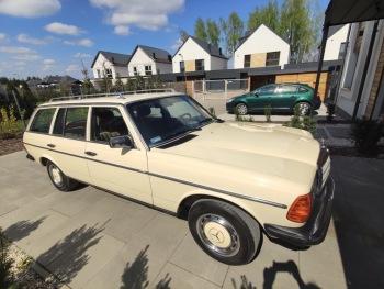 Kultowy Mercedes w 123, Samochód, auto do ślubu, limuzyna Błonie