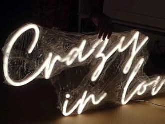 CRAZY IN LOVE - neon, napis świetlny, led, ścianka - wynajem,  Katowice