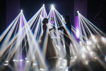 Dj Pavlo- światło, dźwięk, niezapomniana zabawa z klasą, DJ na wesele Żary