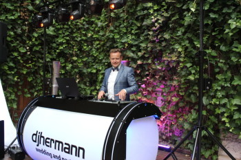 djhermann/dj-wodzirej/ciężki dym/dekoracja światłem/napis Miłość, DJ na wesele Skarszewy