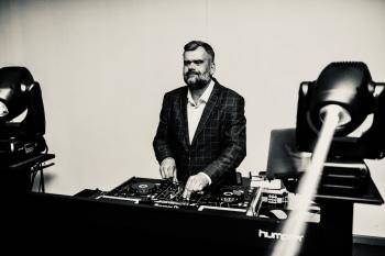 Dj Sebastian Kubasik - Wyjątkowe chwile wymagają wyjątkowej oprawy..., DJ na wesele Jarocin