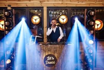 DJ Pi Paweł Matusiak - Charyzmatyczny  DJ na Twoje Wesele, DJ na wesele Gdynia