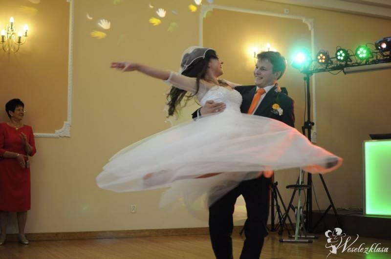 Piękny i efektowny Pierwszy Taniec-lekcje prywatne w Dance & Fashion, Kraków - zdjęcie 1