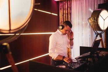 Krzysztof Michaluk Dj/Konferansjer- Prowadzenie przyjęć z pasją, DJ na wesele Oborniki