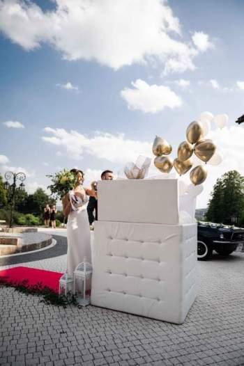 Balony z helem w eleganckim pudle, Balony, bańki mydlane Dębica