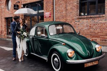 Wynajem samochodu na ślub Fiat 125p, zielony Garbus, Samochód, auto do ślubu, limuzyna Ustroń