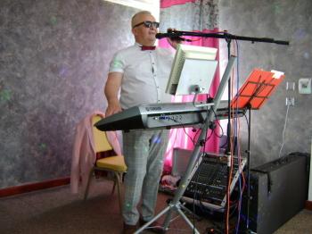 Mini Band  oraz DJ śpiewający , wodzirej, DJ na wesele Sułkowice