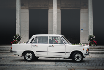 Zabytkowy FIAT 125p - retro klask