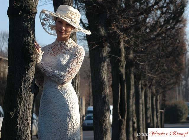 Autorska pracownia sukien scenicznych i ślubnych, Prusice - zdjęcie 1