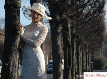 Autorska pracownia sukien scenicznych i ślubnych, Salon sukien ślubnych Wołów