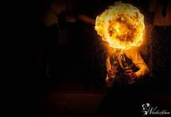 Pokaz Barmański | Barman na Wesele | Profesjonalna Obsługa Barmańska, Pokaz barmański na weselu Pieńsk