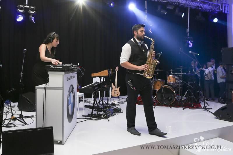 Sax-Machine music show(Dj-ka+Saxofonista/Konferansjer+oświetlenie+dym), Tychy - zdjęcie 1
