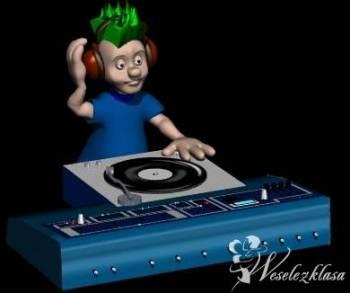 DJ KONRAD-profesjonalny dj z akordeonem, karaoke, DJ na wesele Staszów