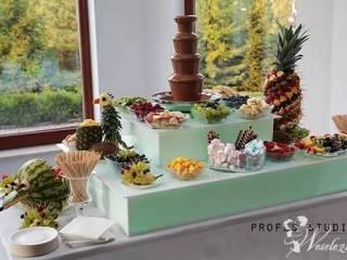 Fontanna czekoladowa z podestem i dekoracjami owocowymi,  Kielce