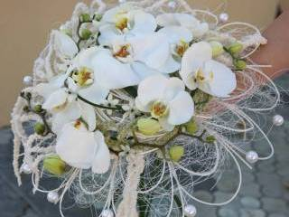 Pracownia Florystyczna Fantazja, Kwiaciarnia, bukiety ślubne Pilawa