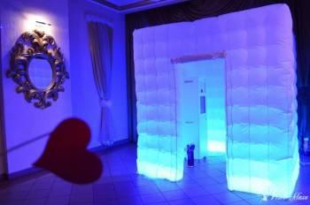 Fotobudka Kamazone KAM&LEON; balony Led, napis LOVE, Fotobudka, videobudka na wesele Wisła
