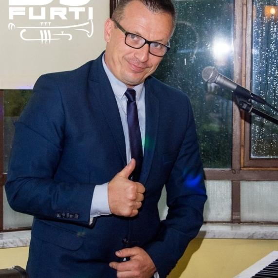 DJ  FURTI