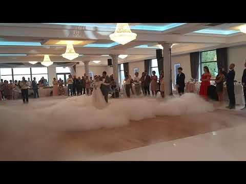 DJ Retro - DJ i konferansjer z językiem angielskim, ciężki dym, LOVE - film 1