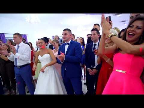 Pokaz barmański na weselu - film 1