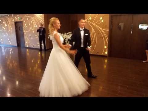 Pierwszy taniec pary młodej Centrum Tańca Szczepan - film 1